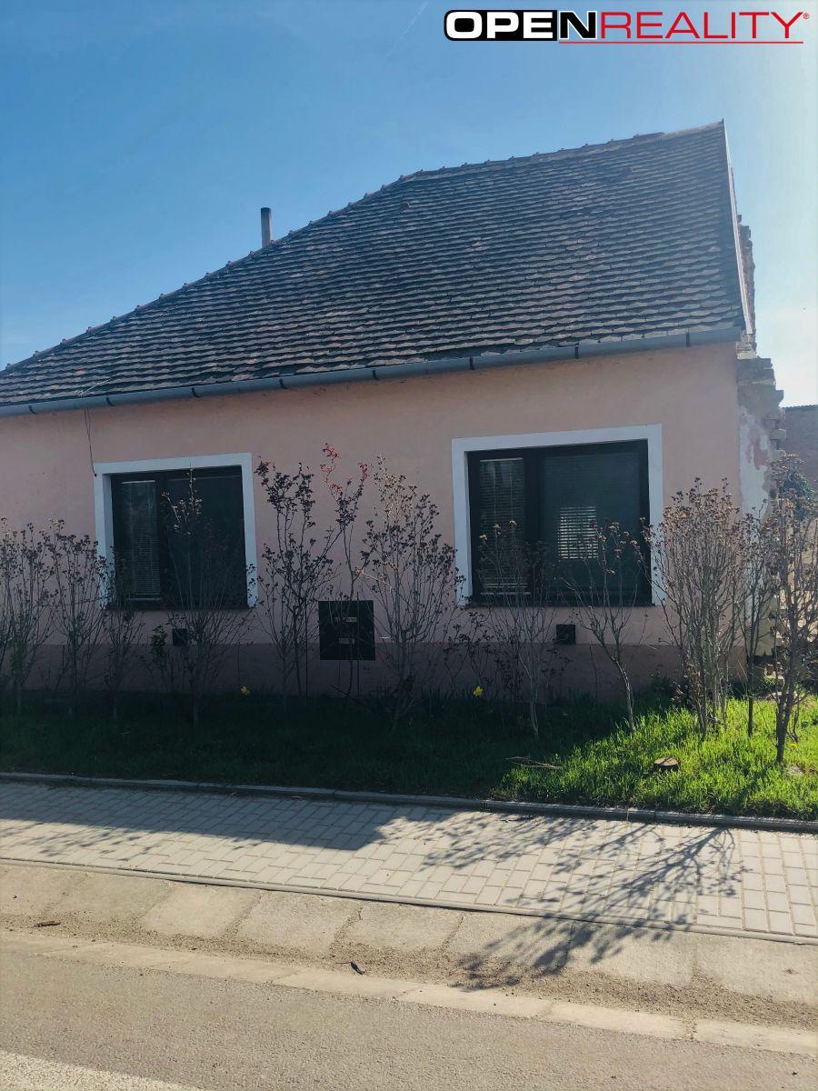 Prodej rodinného domu 3+1, Hevlín okres Znojmo