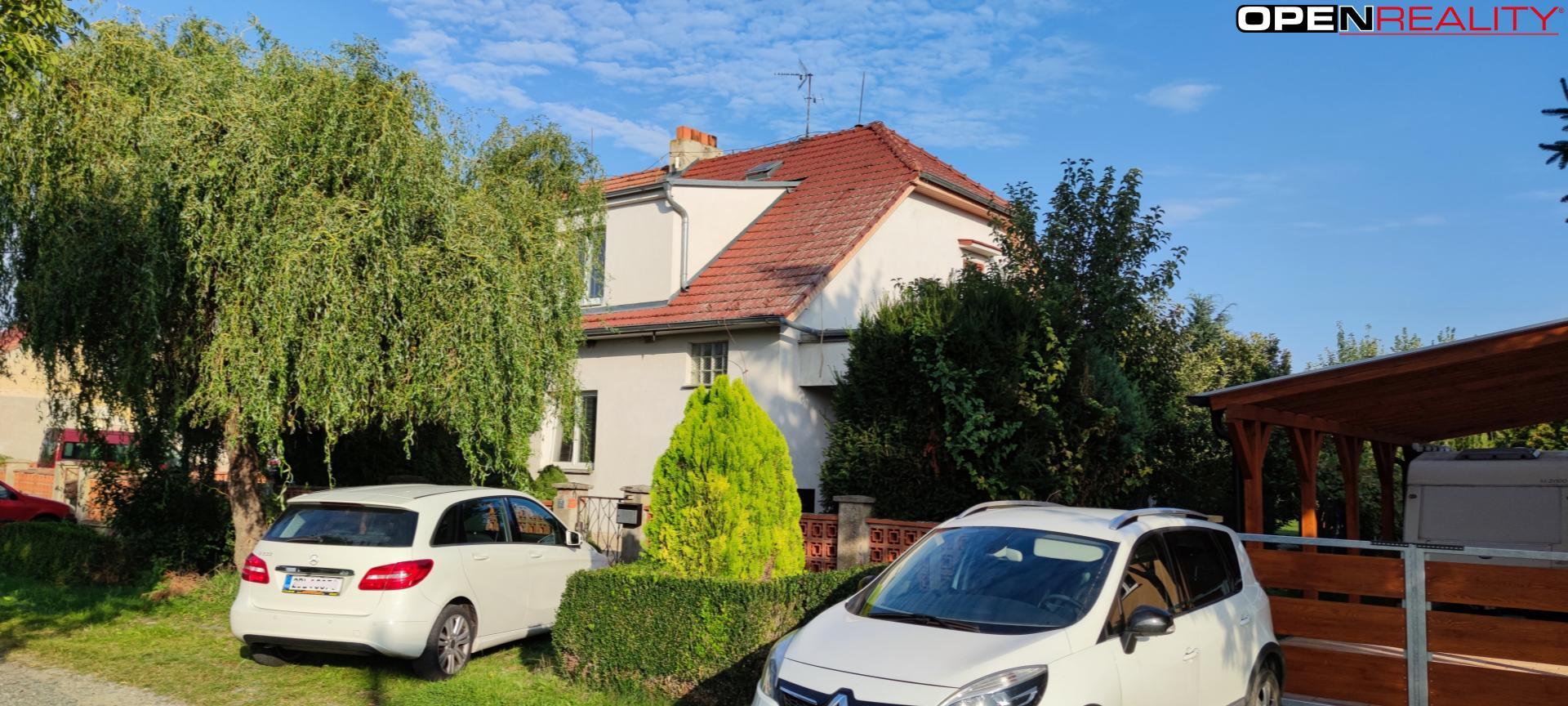 Prodej udržovaného dvoupatrového rodinného domu se zahradou v k.ú. Měnín, v obci Jalovisko