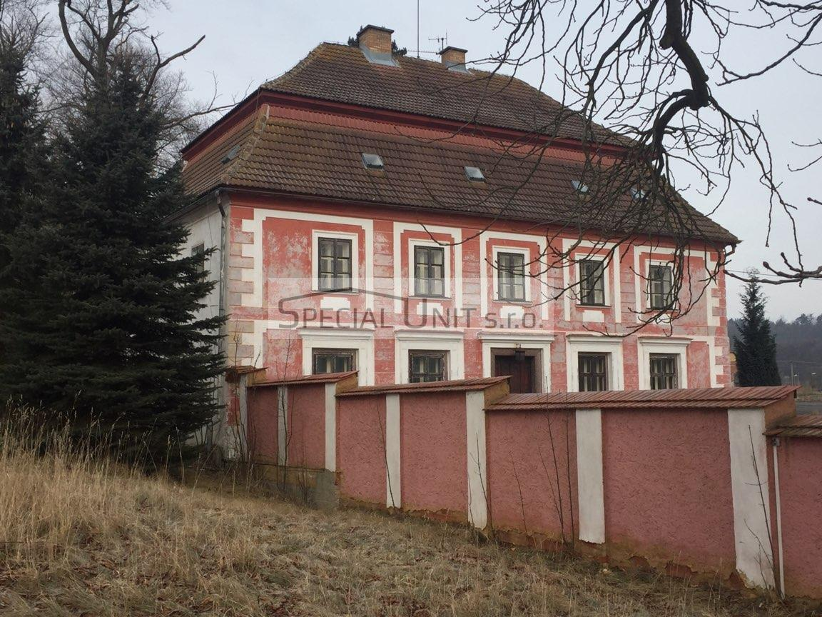 Prodej zámečku s výrobními a skladovacími prostory v obci Kostrčany okr. Karlovy Vary