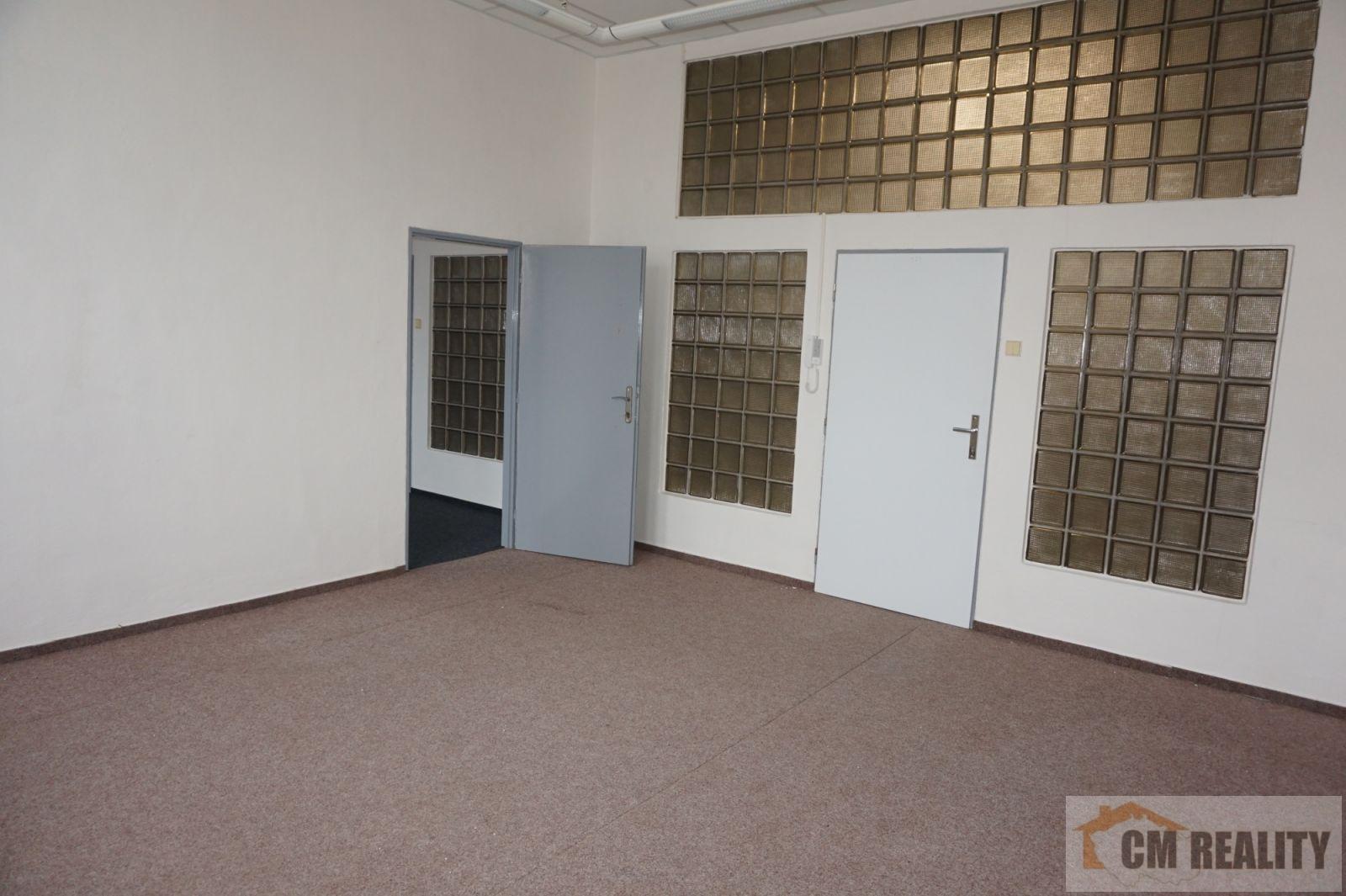 Prostějov, Žeranovská ul. - kancelářské prostory 30 m2 - pronájem 3.000,- Kč/měs+en