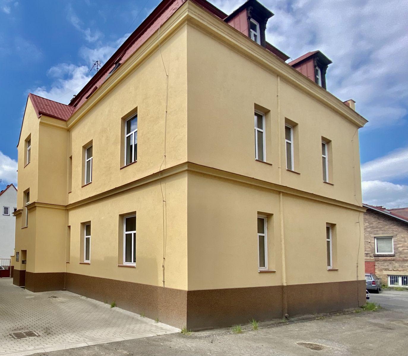 K pronájmu 2 kanceláře v administrativní budově v klidné části města Česká Lípa, ulice u Katovny