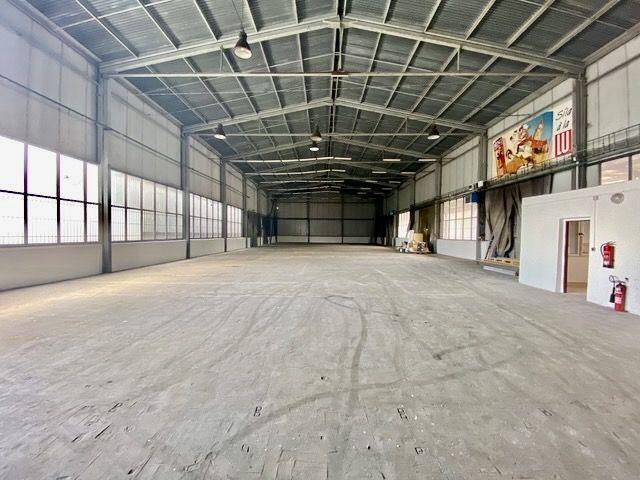 Na prodej zateplená skladovací hala, výrobní prostory, Česká Lípa, u Katovny, 934m2