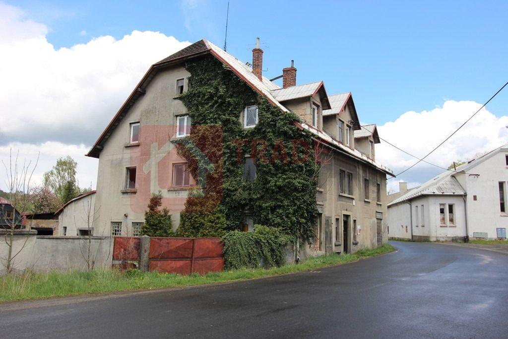 Bytový dům v obci Staré Křečany je vhodný k rekolaudaci až na 7 bytových jednotek o dispozici 1+1,2+