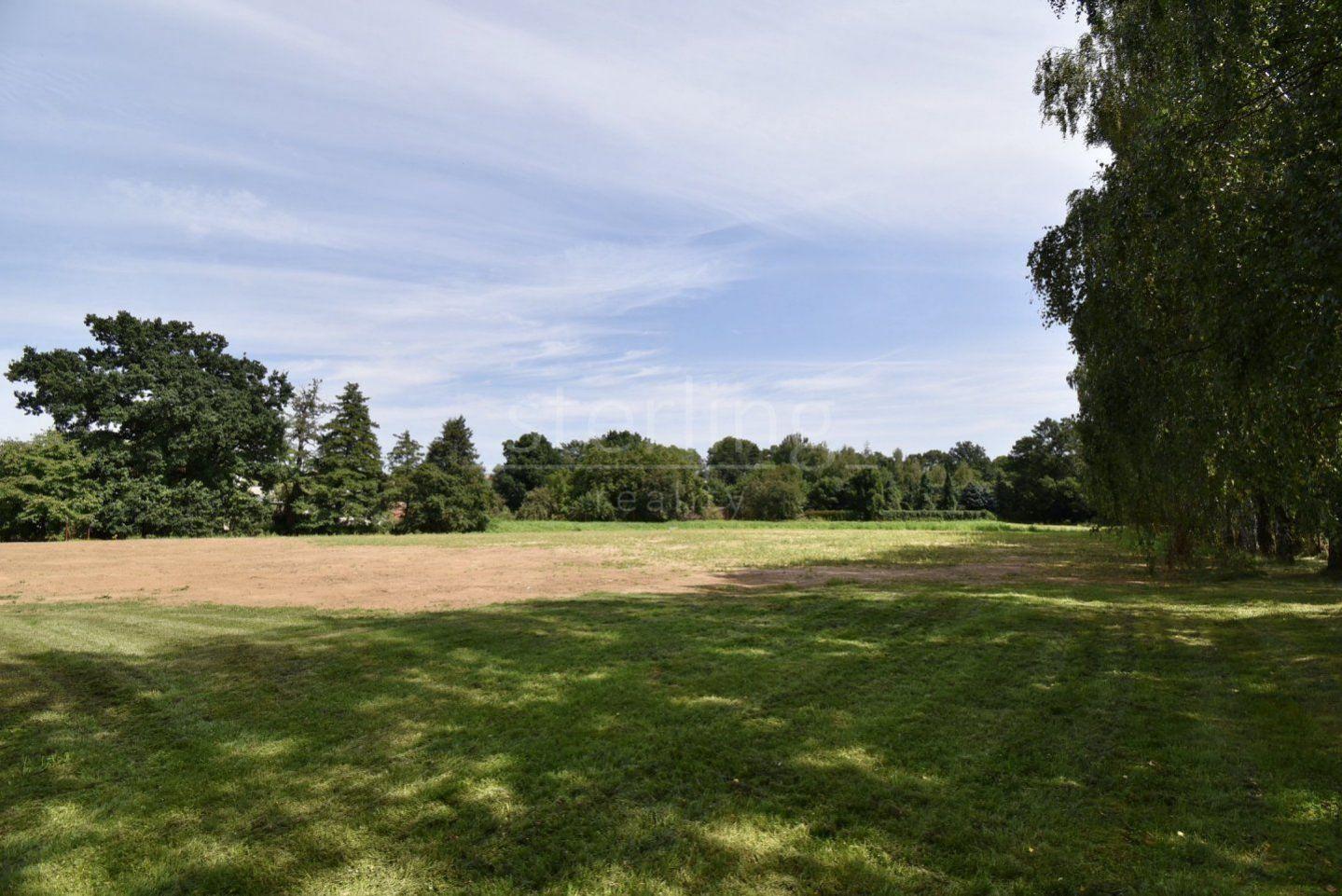 Prodej pozemku s vodní plochou,12393m2, Praha 10 -