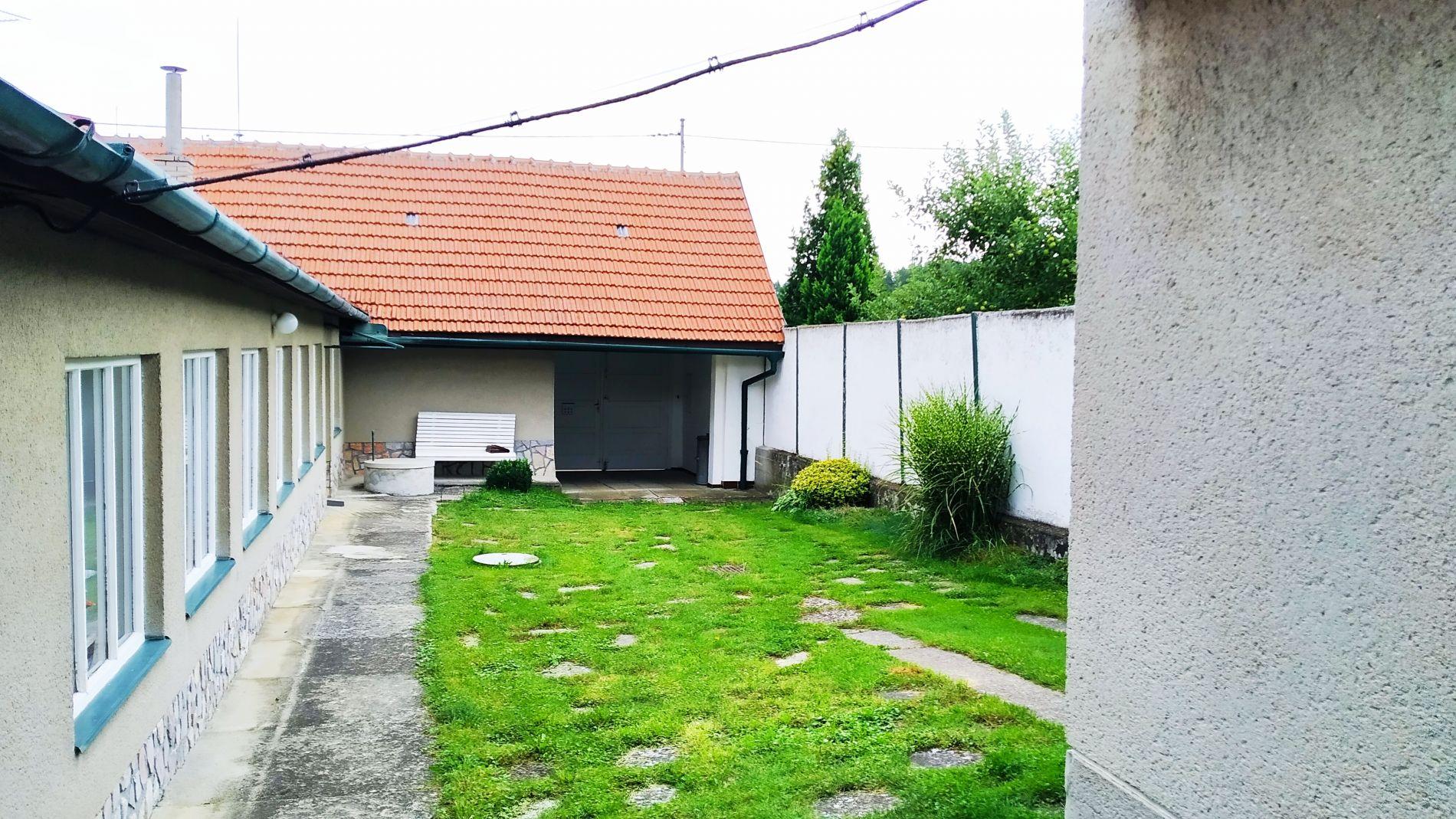 Prodej RD 3+1 Dvorek, Laškov s pozemkem