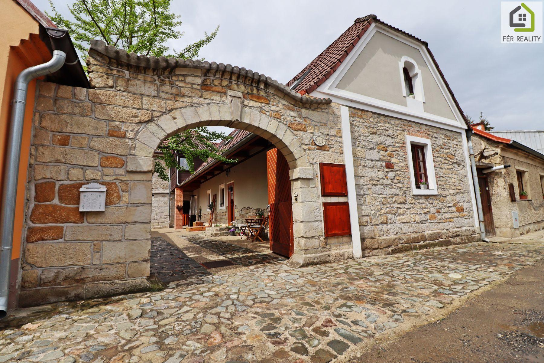 prodej rodinného domu 169 m2,  pozemek 264 m2