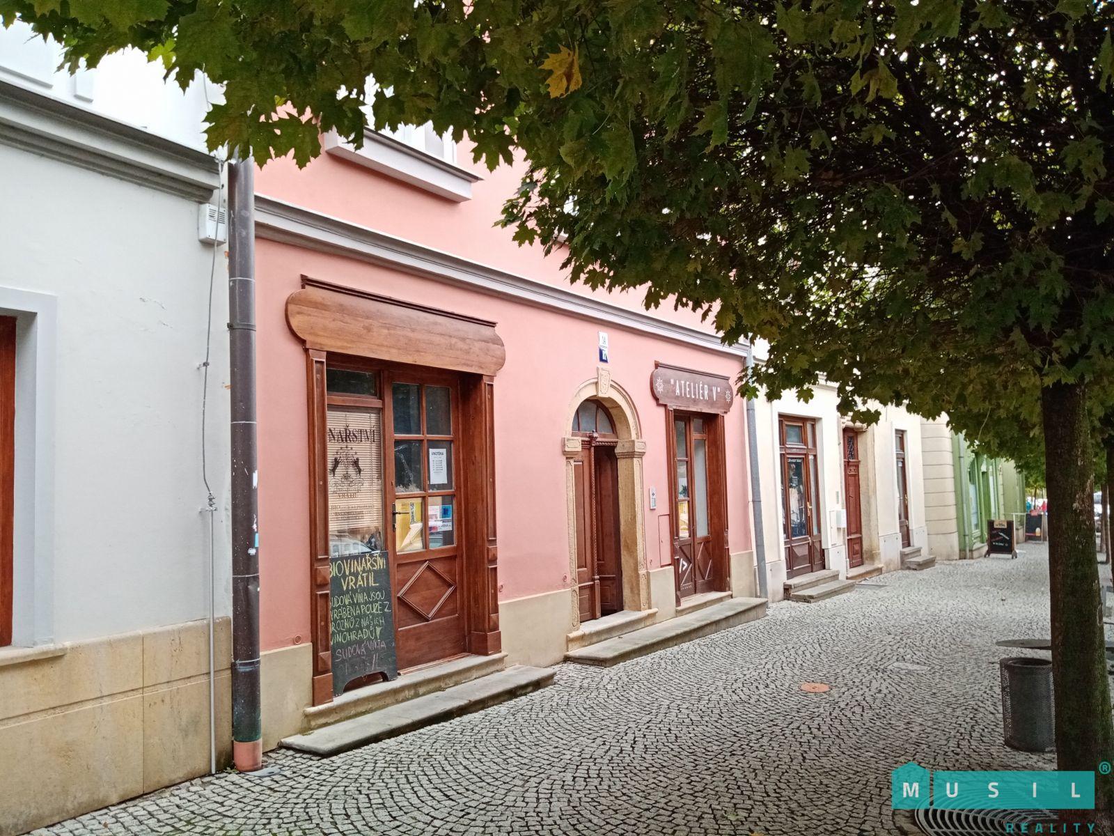Pronájem zrekonstruovaného nebytového prostoru na ulici Radniční ve Šternberku