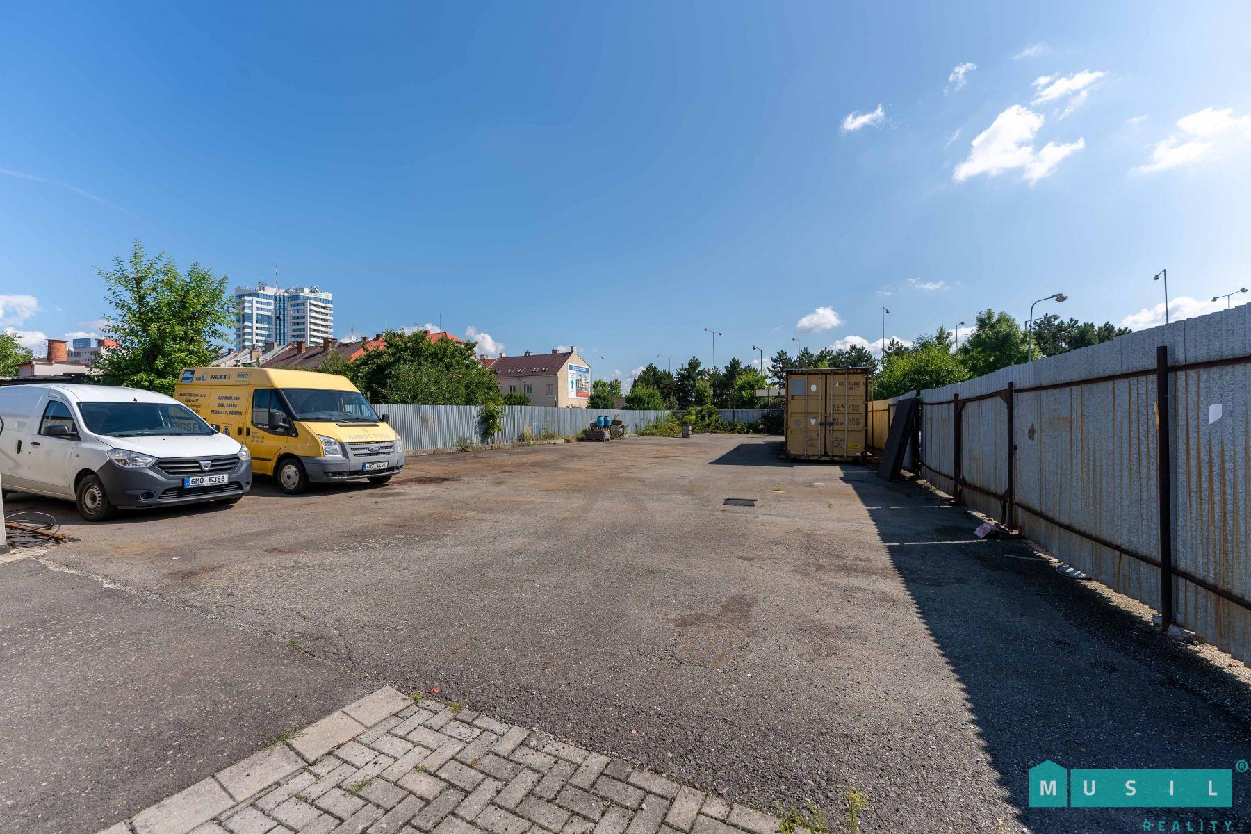 Pronájem venkovní skladovací plochy v areálu na ul. Hálkova v Olomouci