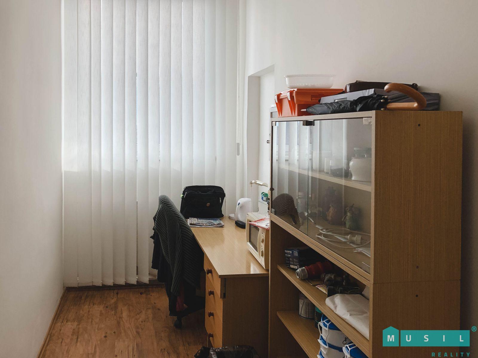 Pronájem dvoj-kanceláře 27 m2 v areálu na ul. Olomoucká, Olomouc - Horka nad Moravou