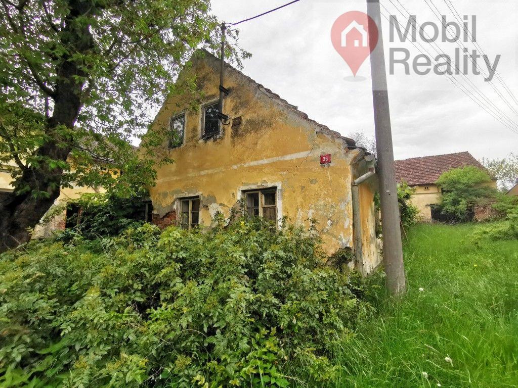 Rodinný dům k rekonstrukci nebo zbourání s pozemkem 1553m2