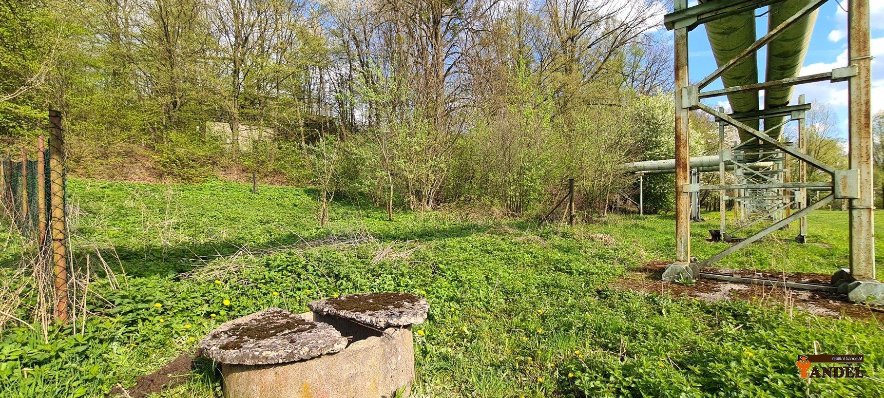 Zahrada s rybníčkem, 950 m,   Havířov  Dolní Suchá, ul. Pod Svahem