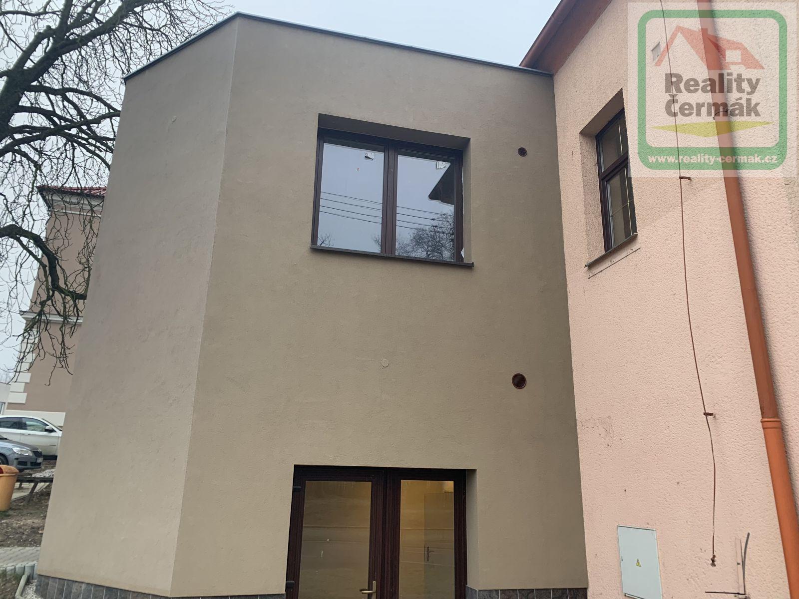 Pronájem komerčních prostor 28 m2 - Holýšov, okr. Domažlice