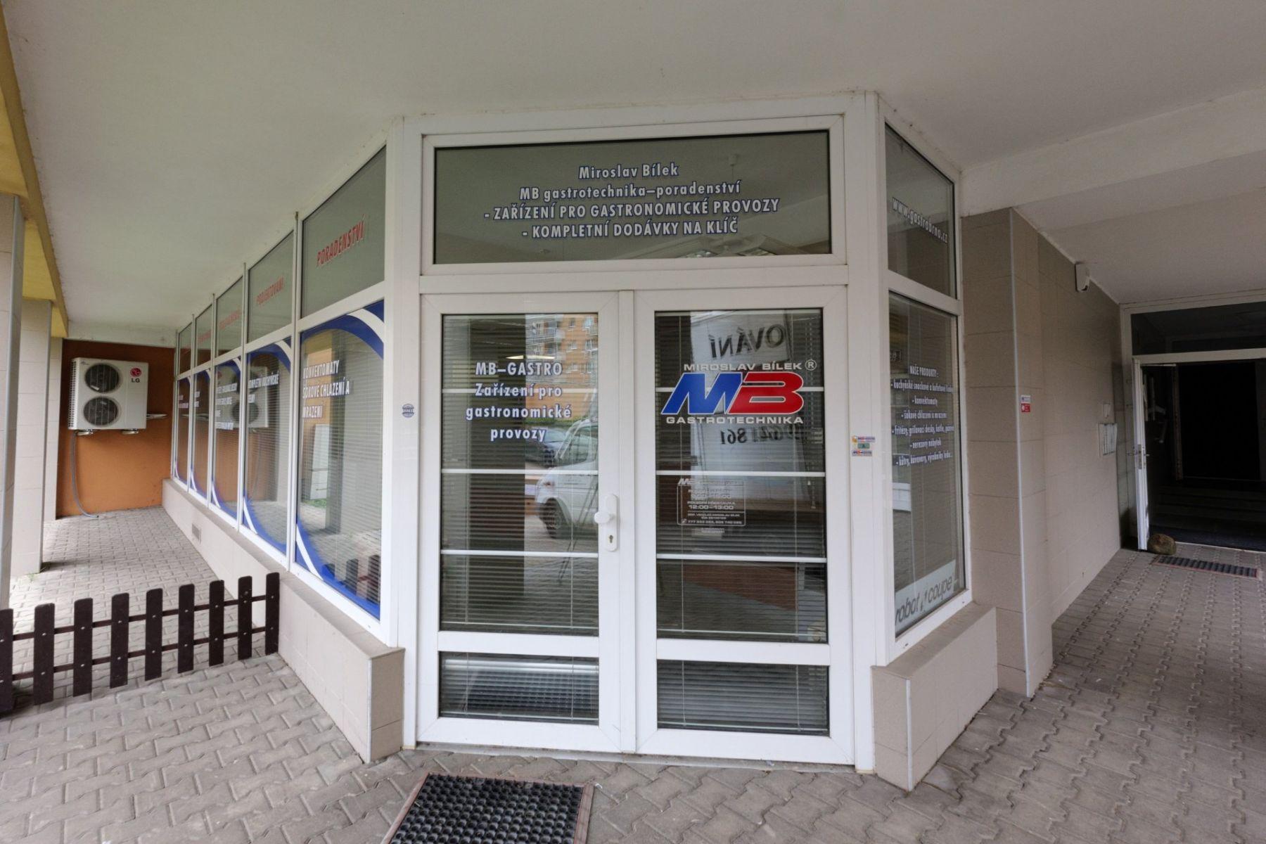 Prodej, Obchodní prostory, CP 99.5 m2, Brno, Lesná, ulice Majdalenky, přízemí