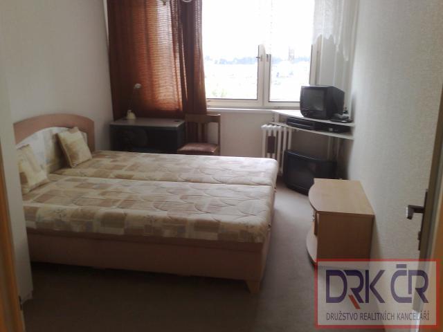 Pokoj v bytě 4+1/L,Praha 5-Lužiny,6500Kč, vč. poplatků.Provizi neplatite