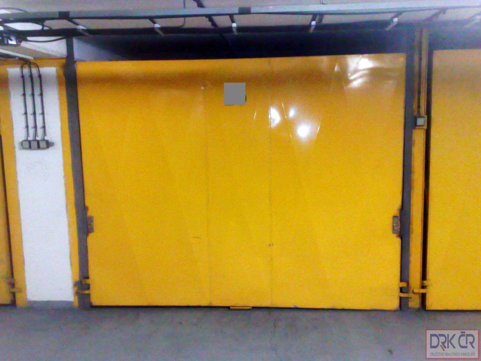 ID-Samostatna zděna garáž, 20m2, 2.800 Kč, v Praze 6 - Řepích II, neplatíte provizi.