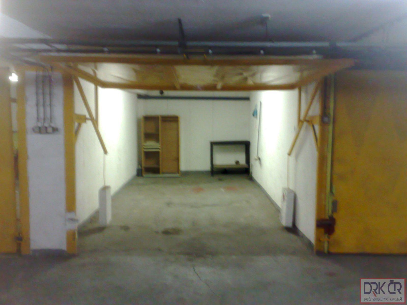 Samostatna zděna garáž, 20m2, 2.800 Kč, v Praze 6 - Řepích II, neplatíte provizi.