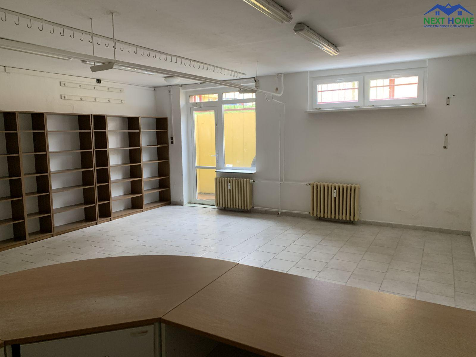Pronájem komerční - obchodní prostor, 78 m2, ul. Višňová, Most.