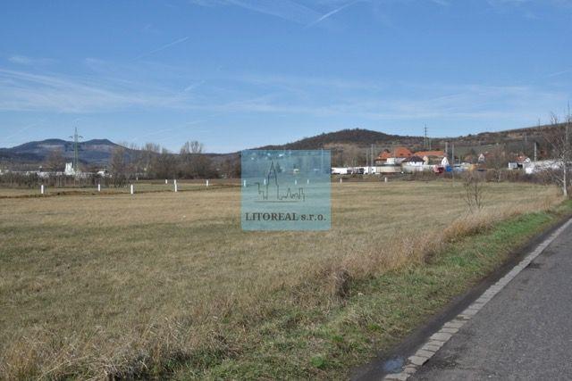 Prodej pozemku 852m2, Píšťany, Litoměřice