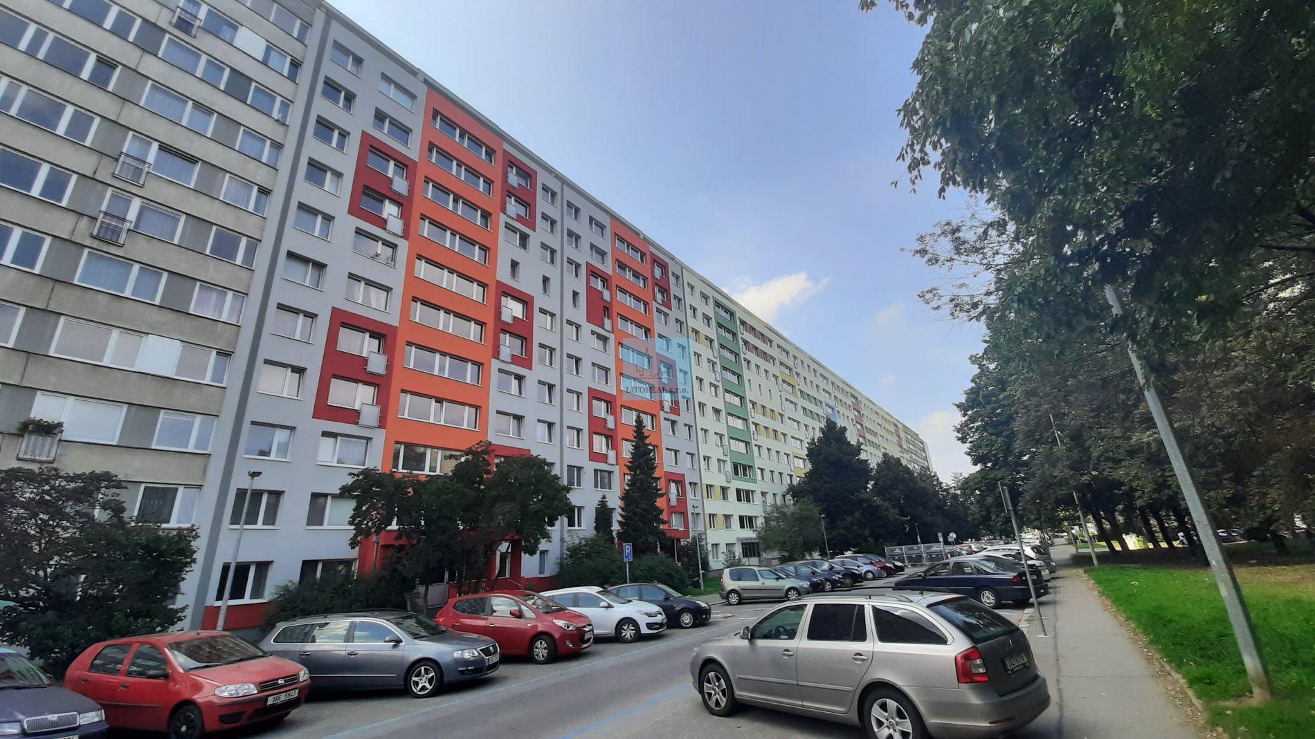 Prodej bytu 2+kk s lodžií, 43m2, ul.Jablonecká, Praha 9 - Prosek