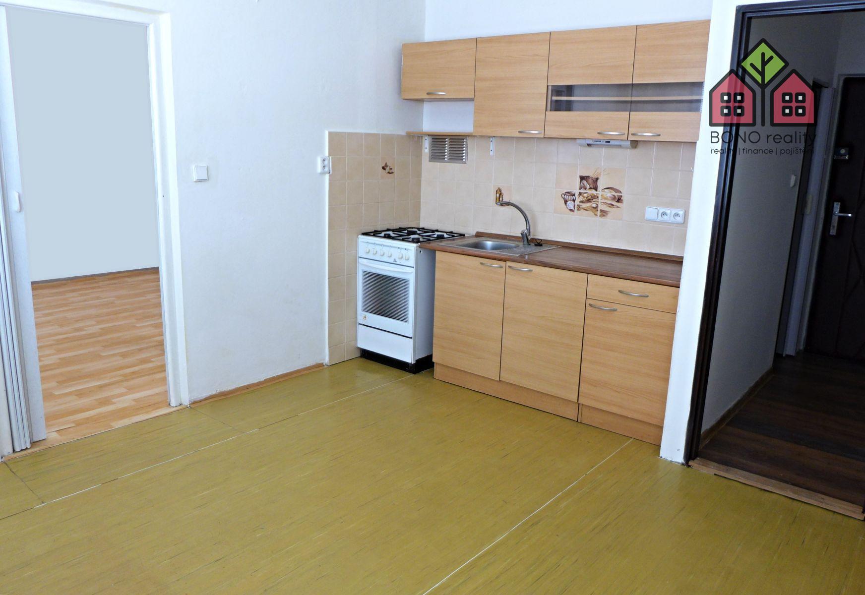 1+1, OV, 38 m2, dlouhodobý pronájem, 2 sklepy, Lovosice, ulice Vodní
