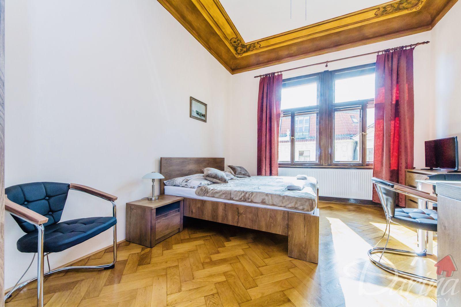 Pronájem byt, 1+kk, Staroměstské náměstí, Praha 1