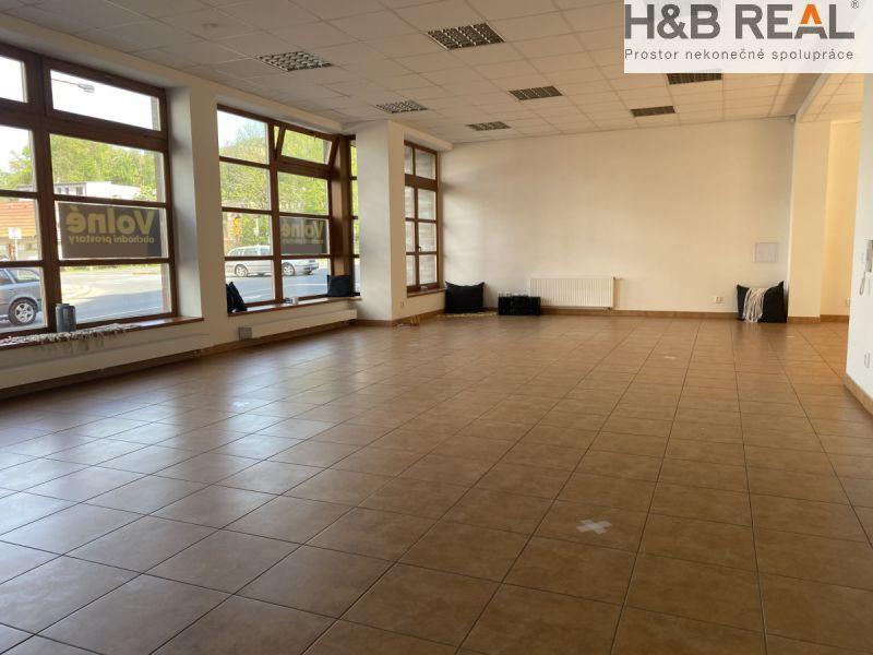 Pronájem obchodních  prostor  ( 120 m2) v centru  Vsetína.