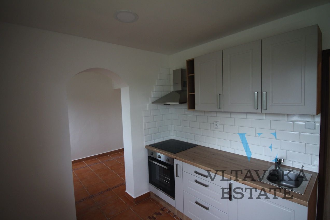 Prodej bytu 2+1, 51 m2, Tichá 176, Chýně, Praha  západProdej bytu 2+1, 51 m2, Tichá 176, Chýně, Prah