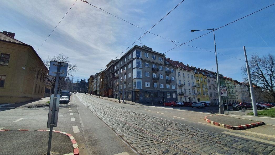 Pronájem komerčního prostoru 200m2, roh ulice Parléřova a Myslbekova, Praha 6  Střešovice.