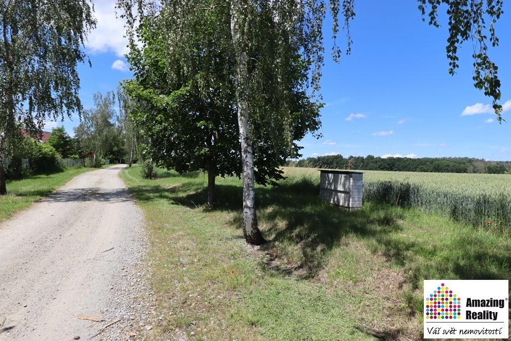 Prodej pozemku o celkové výměře 6.704 m2, v obci Zvíkovské Podhradí
