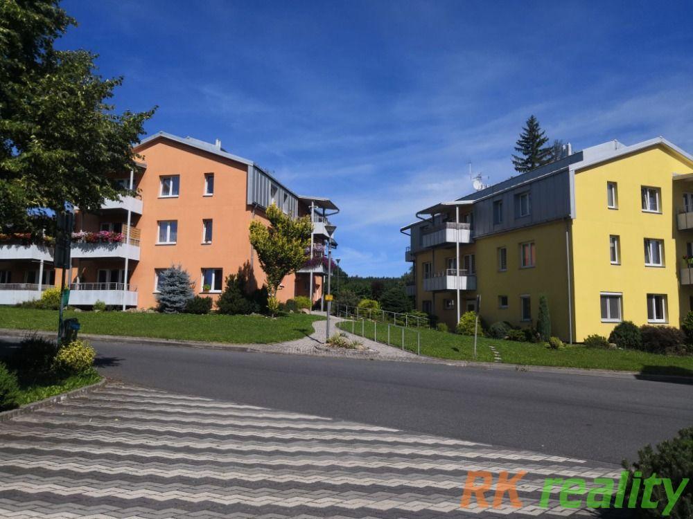 Prodej bytu v pbci Hradec-Nová Ves 2kk 66 m2 s tarsou a parkovacím stáním