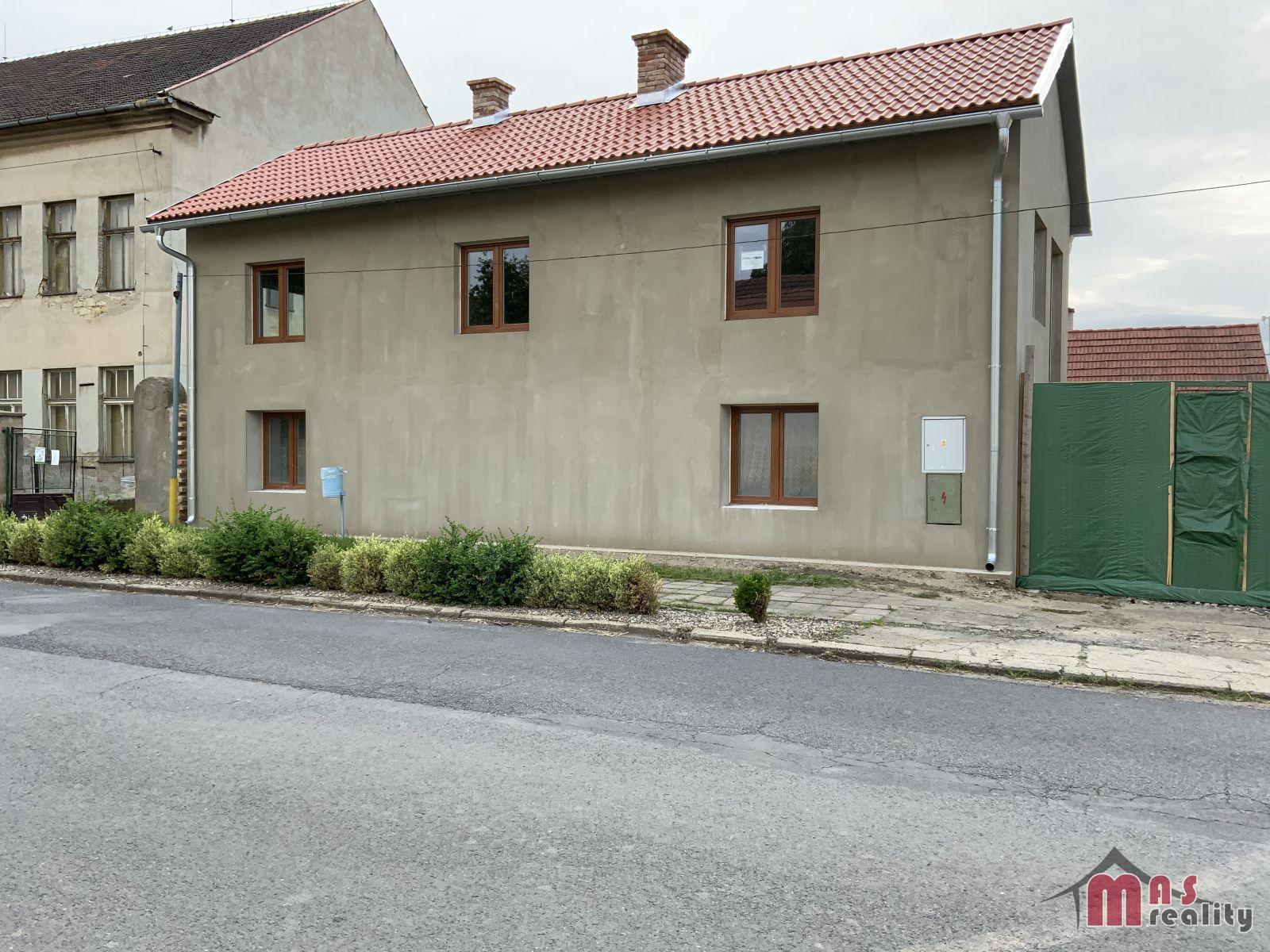 Prodej patrového rodinného domu 5+1, 8 km od Roudnice nad Labem