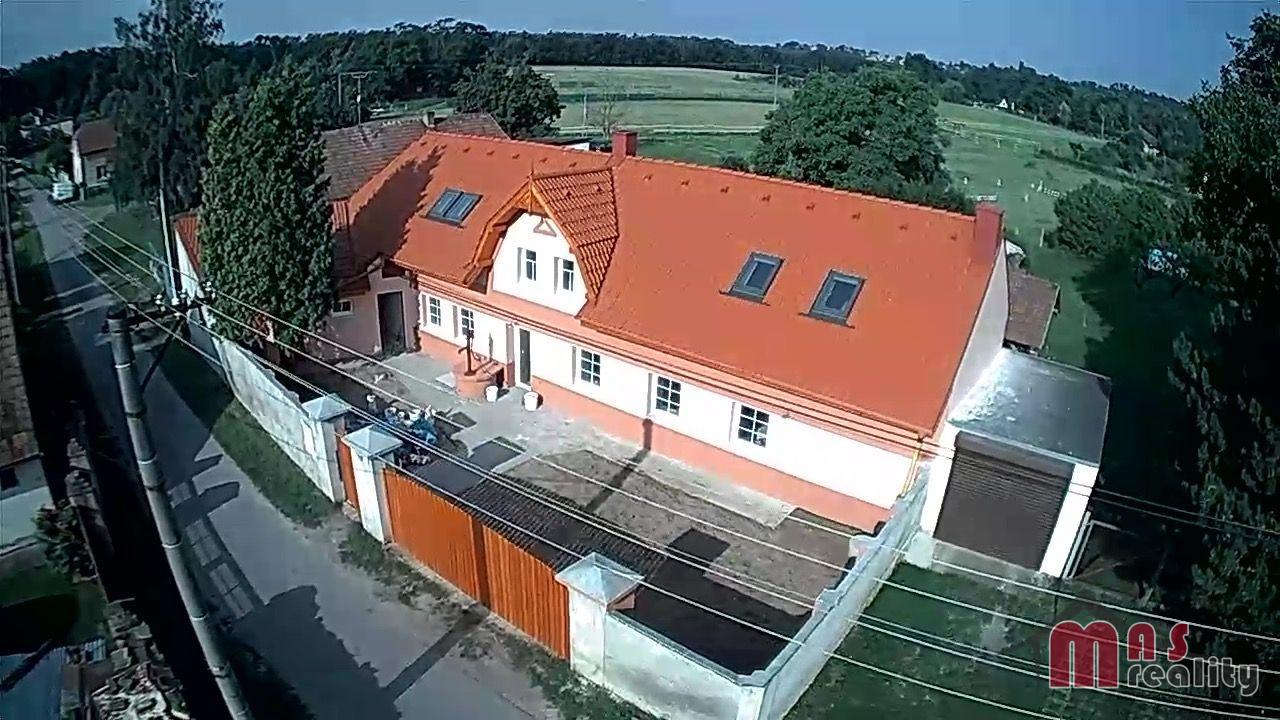 Prodej rodinného domu 5+1 po rekonstrukci.
