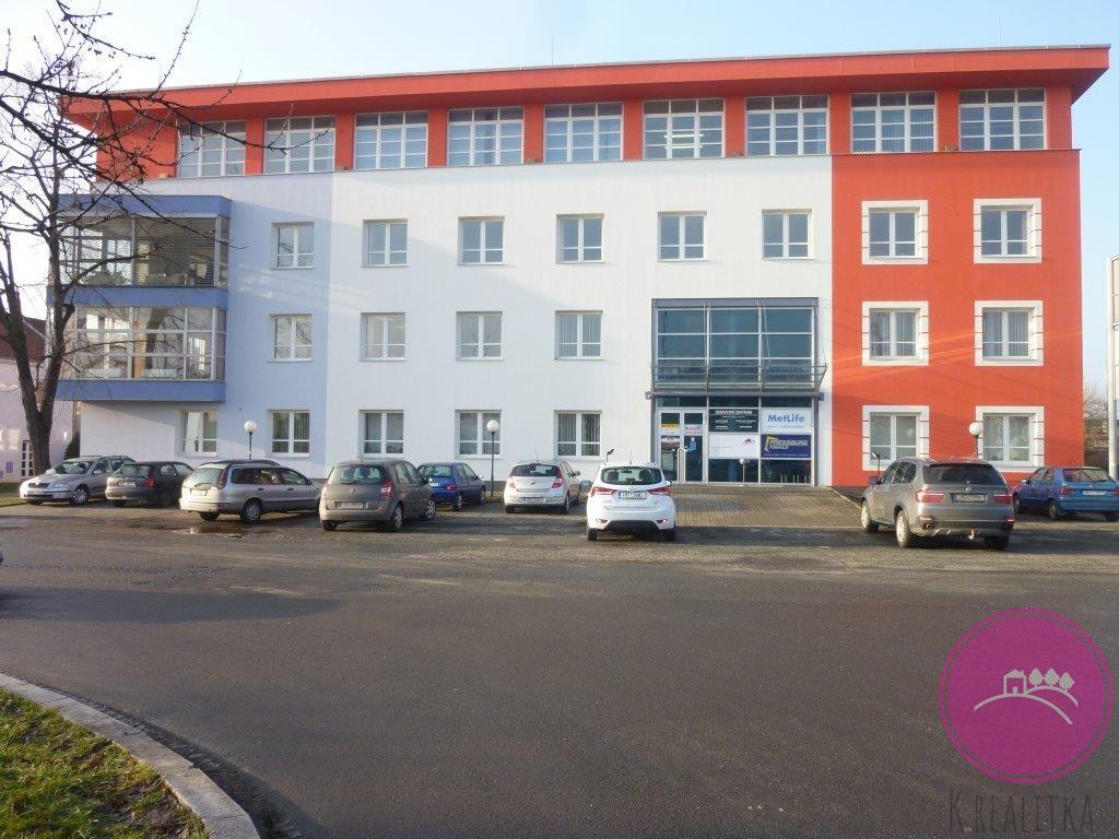 Pronájem kanceláře 14,5 m2 na ulici Hybešova v Olomouci.