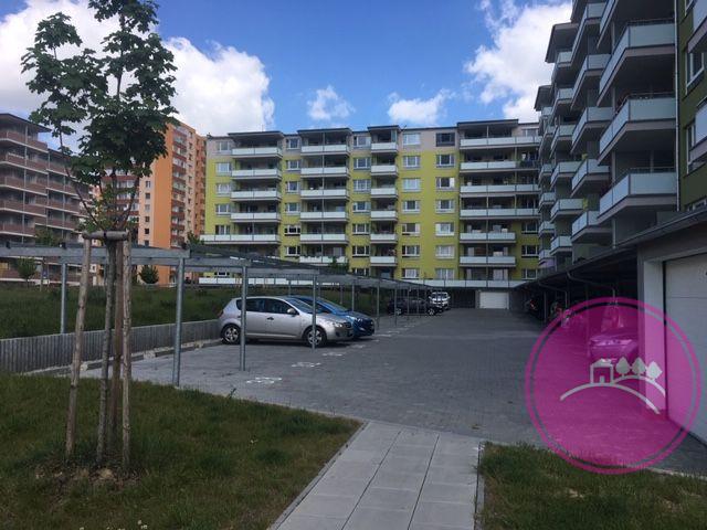 Pronájem parkovacího stání na ulici Janského v Olomouci