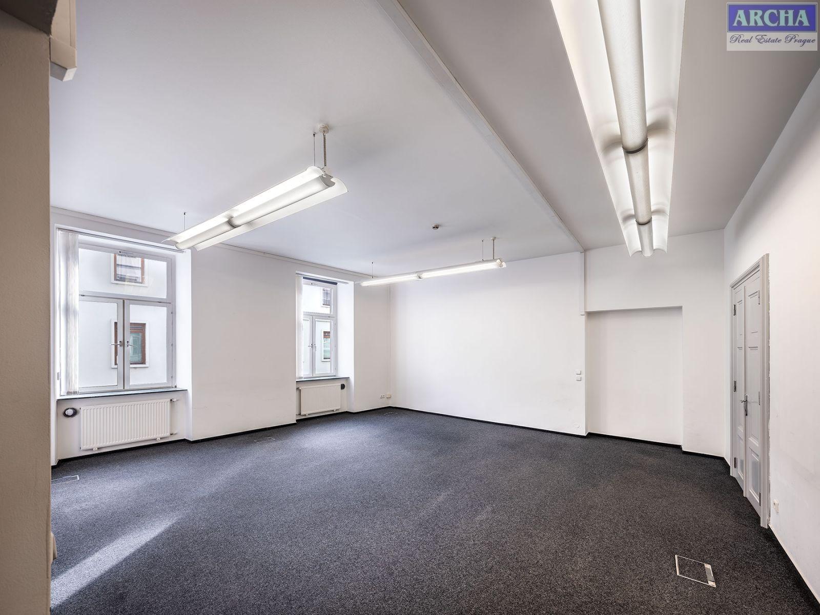 Nájem moderních kanceláří 425 m2, mezanin, Praha 1 Centrum