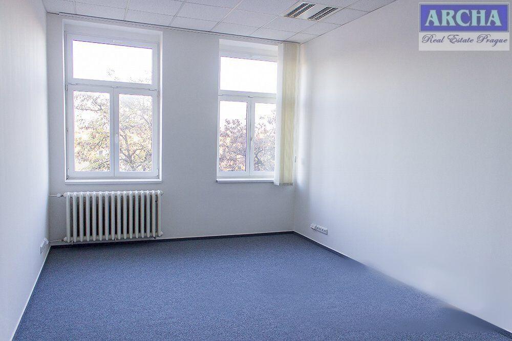 Nájem 2 x kancelář (18,7 m2 + 19,7 m2), přízemí, Praha 9 Vysočany