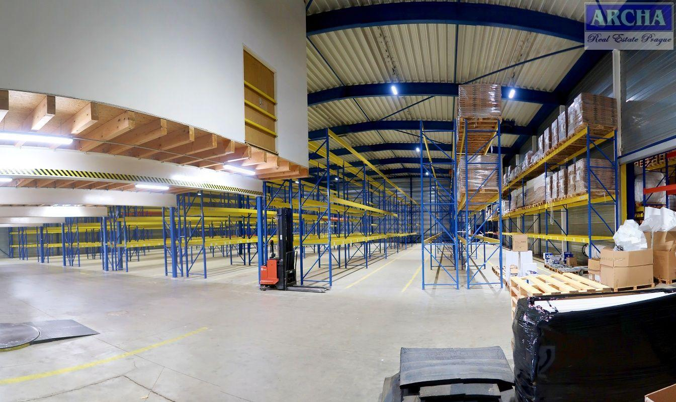 Nájem skladové haly 1730 m2, vč. zázemí, Králův Dvůr, nedaleko Exitu D5