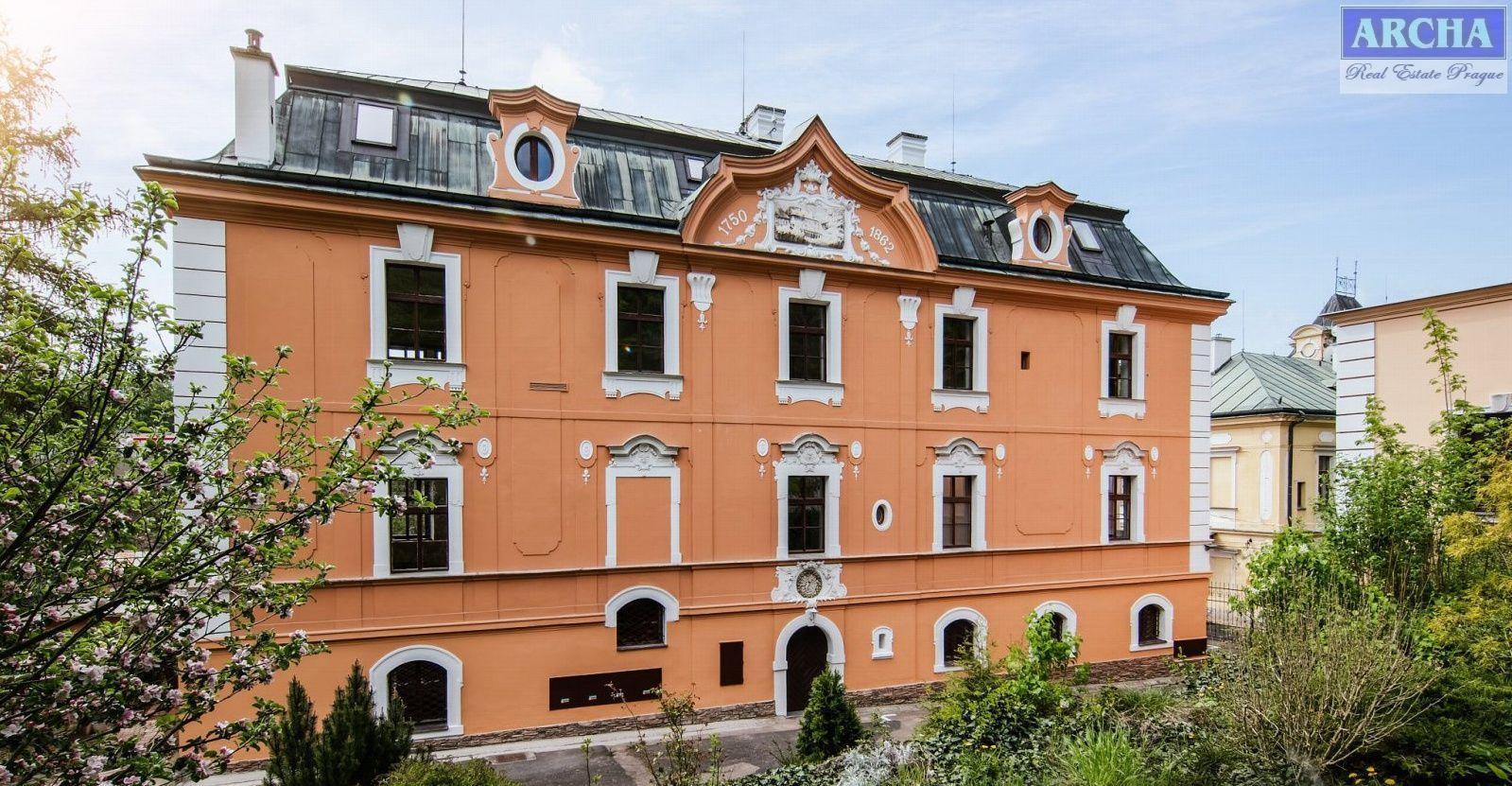 Prodej ubytovací jednotky 2+kk, 33,8m2, -1.NP,  Praha 5 Hlubočepy
