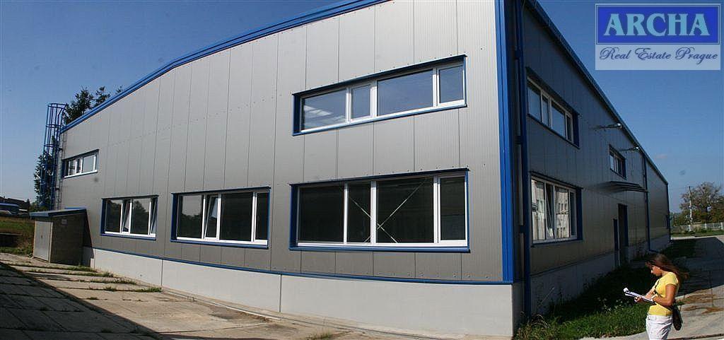 NÁJEM skladově výrobní haly 1067 m2, Hořovice, Exit D5