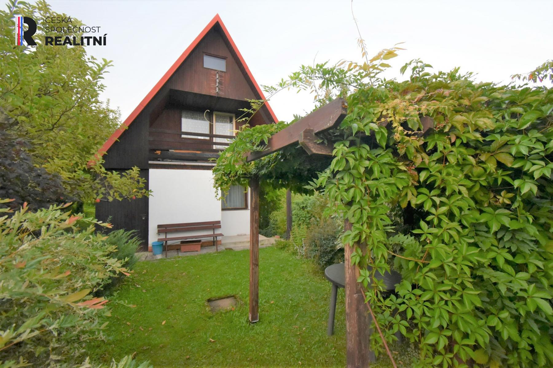 Prodej chaty 18 m2, pozemek 384 m2, celková plocha 402 m2