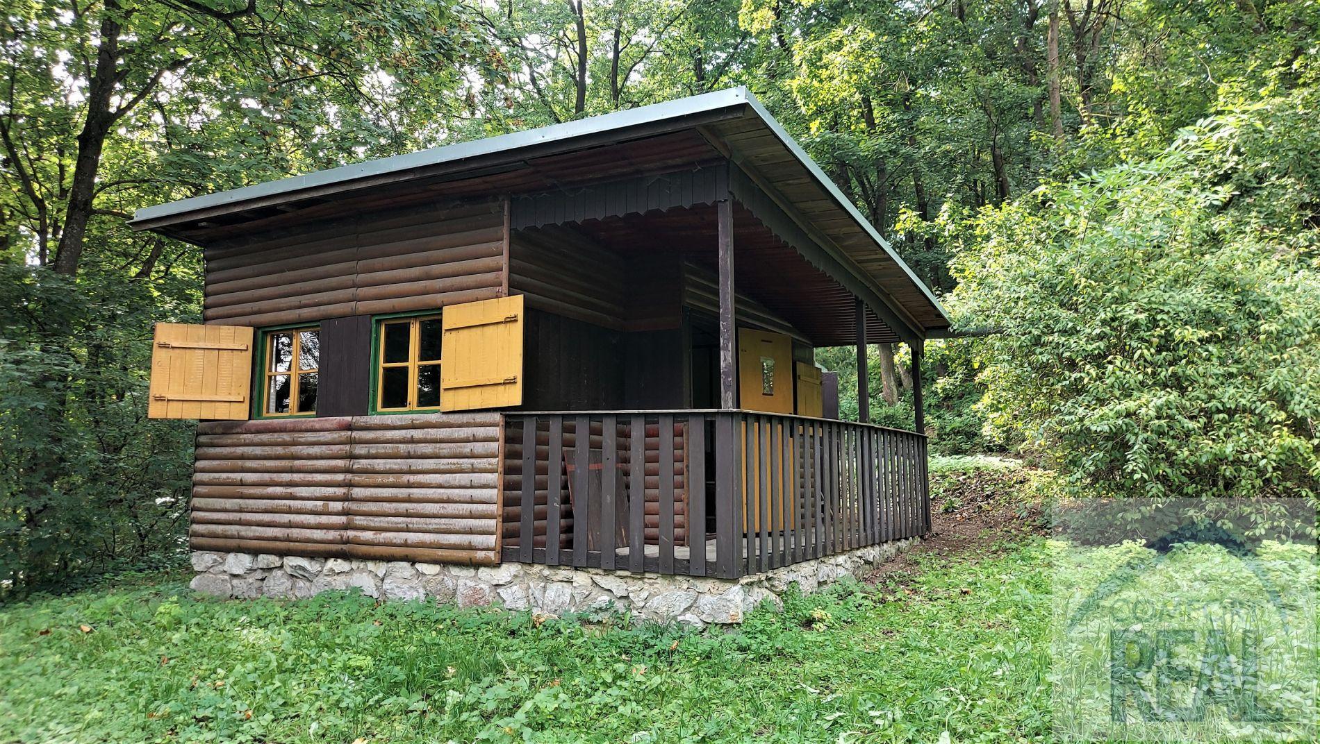 Prodej chaty 1+kk s verandou, 31 m, Hostěnice, okres Brno-venkov.