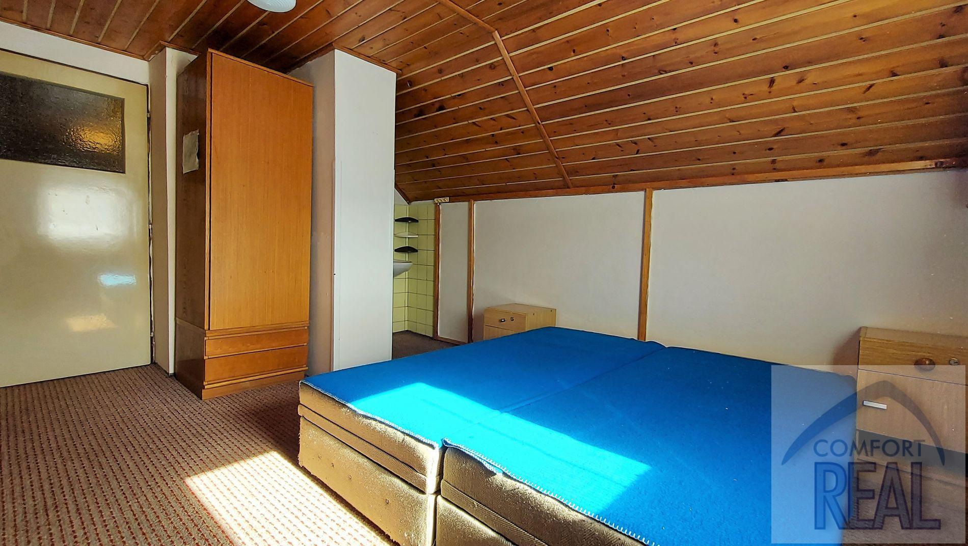 Prodej ubytovacího zařízení, centrum obce Lipová  Lázně.