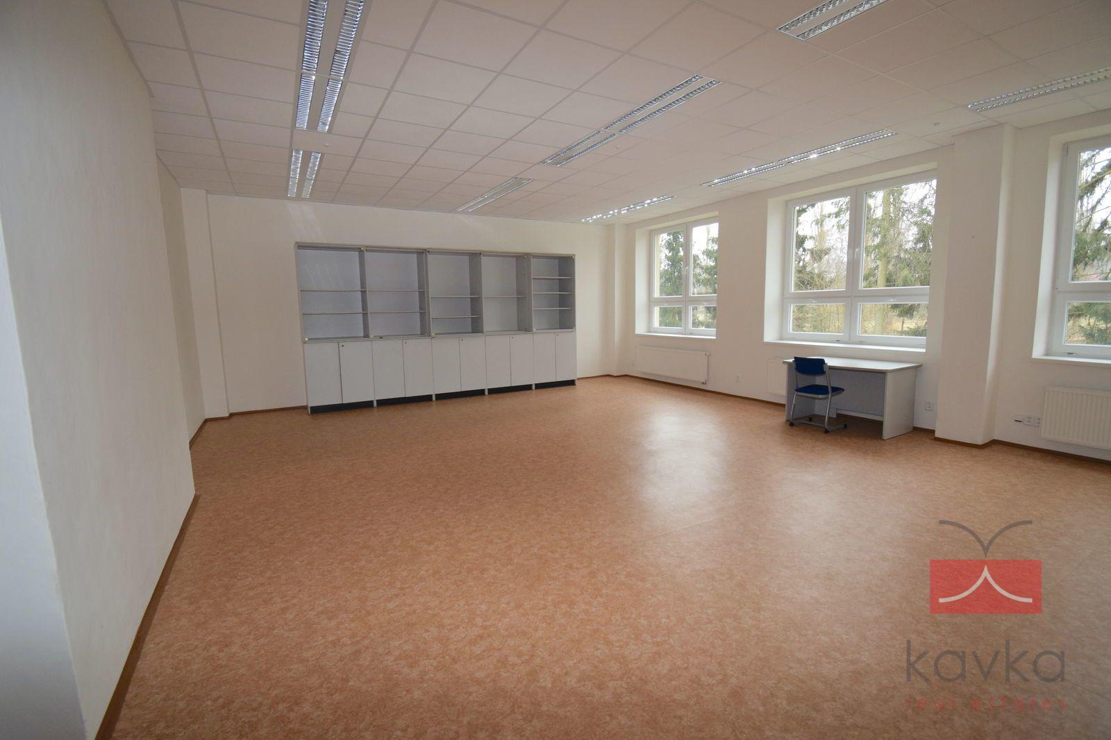Pronájem kancelářských prostor, 286 m2, Lužická, Humpolec