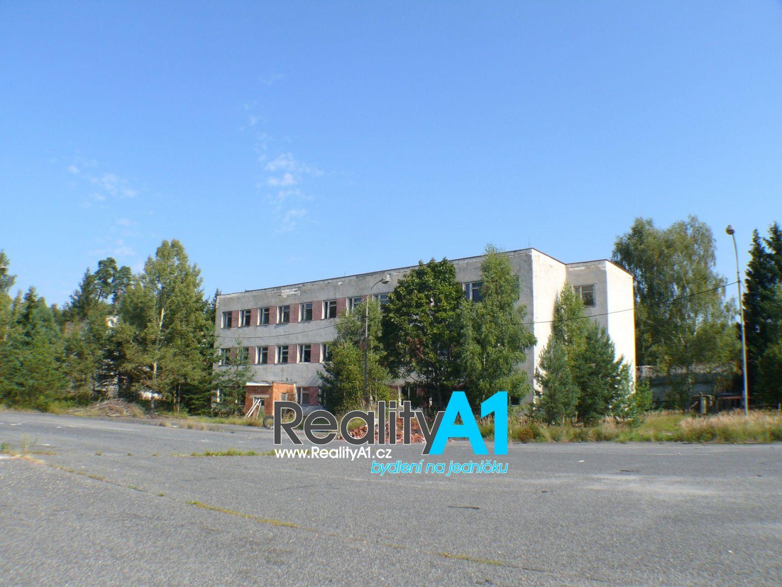 Pronájem výrobního objektu 1850 m2 s pozemkem 3000 m2 - průmyslová zóna Ralsko - Kuřívody