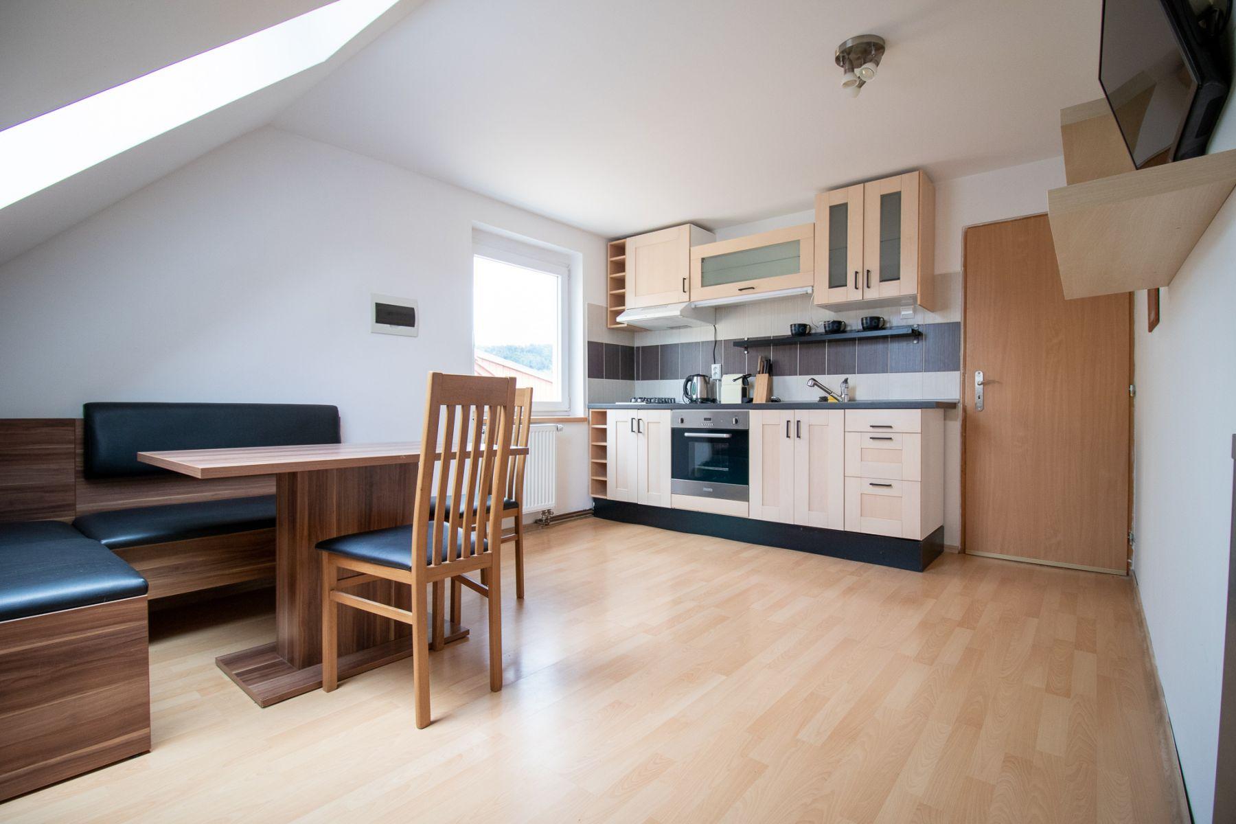 Pronájem, byt 2+kk, 44 m2, Loděnice