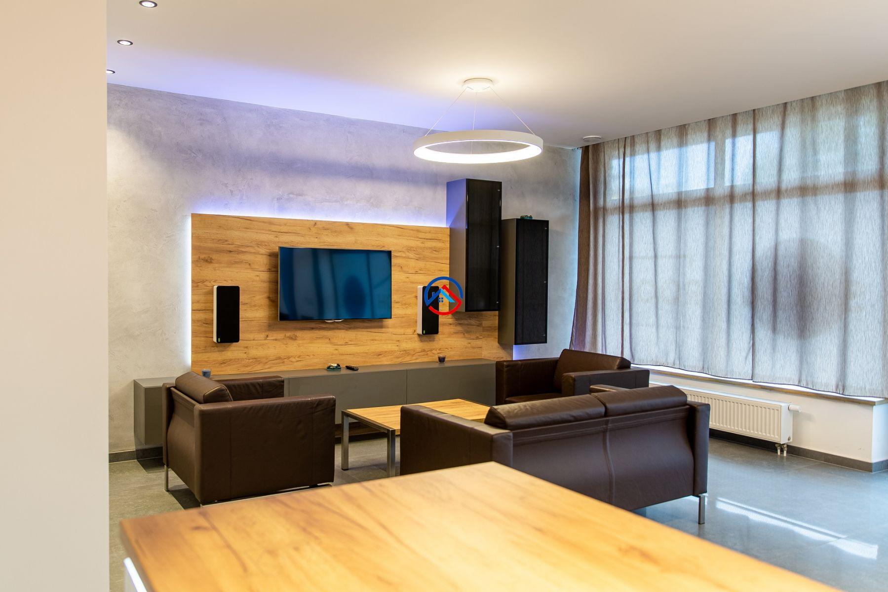 Prodej atypického zařízeného nebytového prostoru 5+kk, 114m2, park.stání, ul. Rokycanova Olomouc
