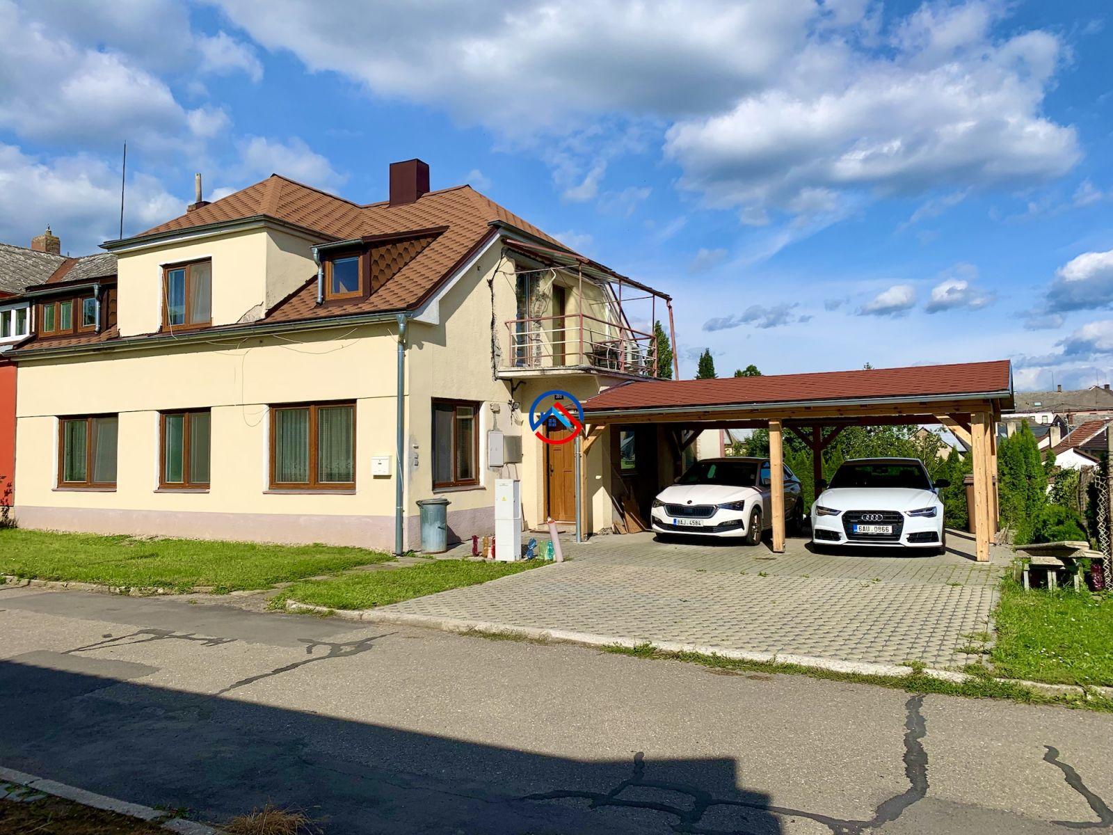 Prodej rodinného domu 3+kk celkem a 4+kk, celkem 146 m2, pozemky 537 m2