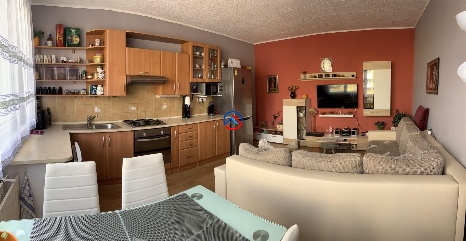 Prodej bytu 4+1 Bruntál, 90m2, lodžie, Bruntál