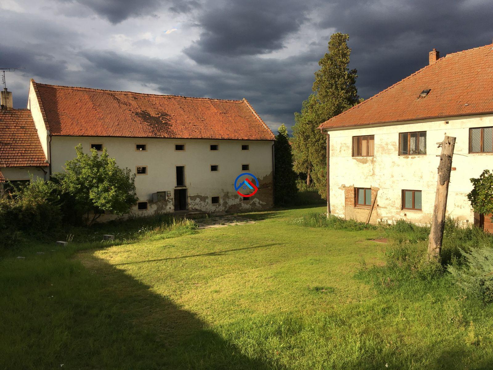 Prodej pozemku 6.014m2 v obci Želeč