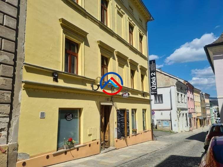 Prodej bytu  3+1 (80 m2) s půdním prostorem (80 m2)  v Šumperku